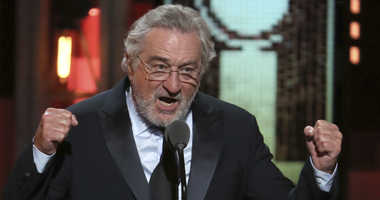 Robert De Niro introduces a performance by Bruce Springsteen at the 72nd annual Tony Awards at Radio City Music Hall on Sunday, June 10, 2018, in New York.