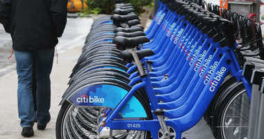 NEW YORK, NY - MAY 28: Citi Bikes sit on a rack in Manhattan's Union Square the day after the nation's largest bike share program got underway on May 28, 2013 in New York City. The system provides 6,000 bicycles available for riders at docking stations lo