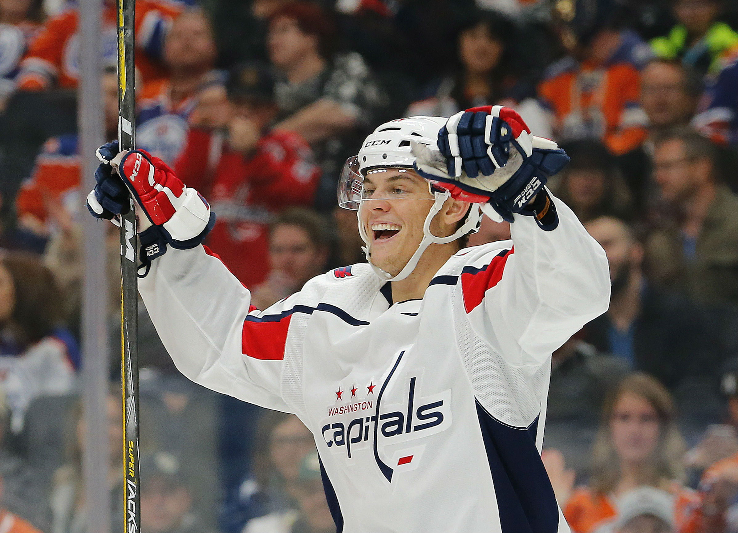 a68b031e568 Andre Burakovsky finally gets first goal of the season