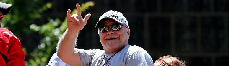 barry_trotz_caps