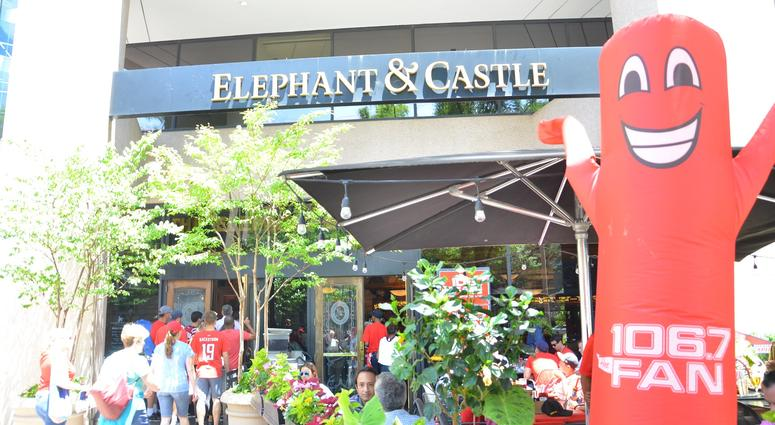 Grant & Danny join Capitals fans for a live broadcast at Elephant and Castle