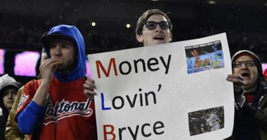 Nationals fans greet Bryce Harper on his return to D.C.