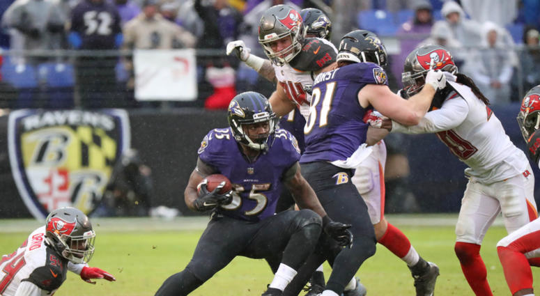 Ground-and-Pound Attack Leads Ravens past Buccaneers 20-12