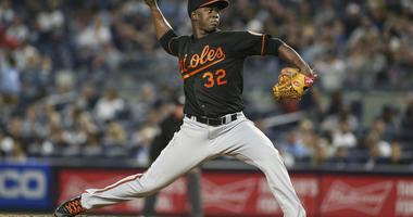 Orioles' comeback attempt falls short as they drop series opener to Yankees, 10-8
