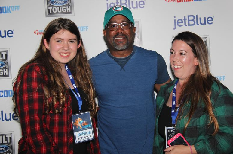 Darius rucker meet greet photos wkis darius rucker meet greet photos m4hsunfo