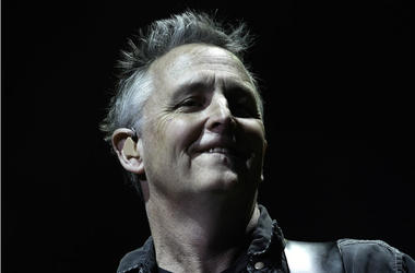 Pearl Jam guitarist Mike McCready performs at the BB&T Center.