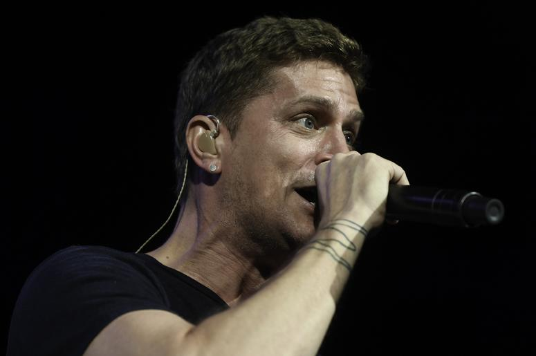 Rob Thomas on Stage