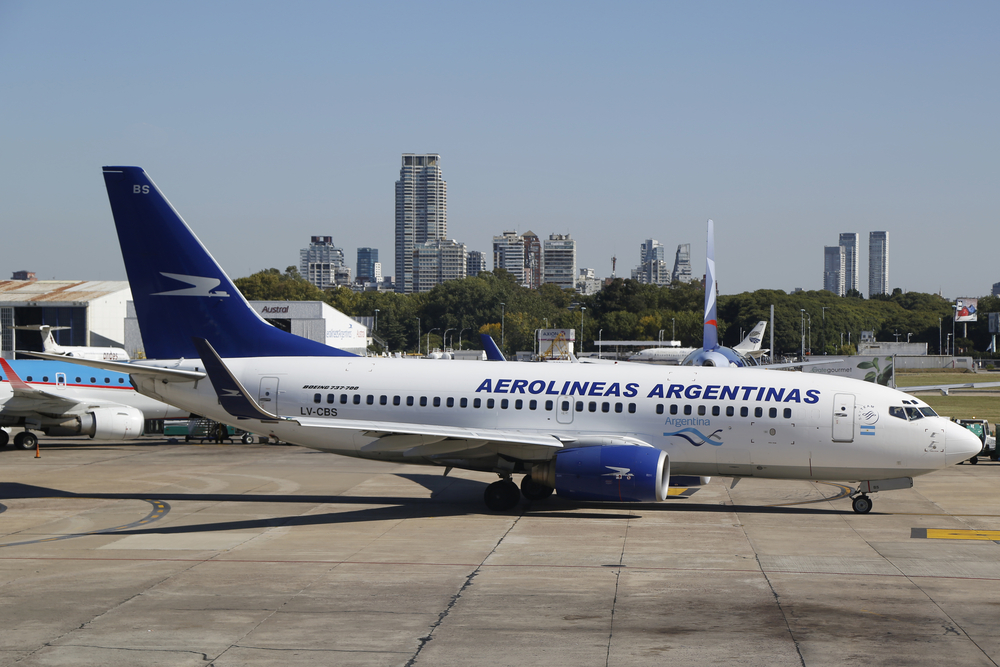 Aerolineas Argentinas Boeing 737 on the apron at Jorge Newbery Airfield_348996314