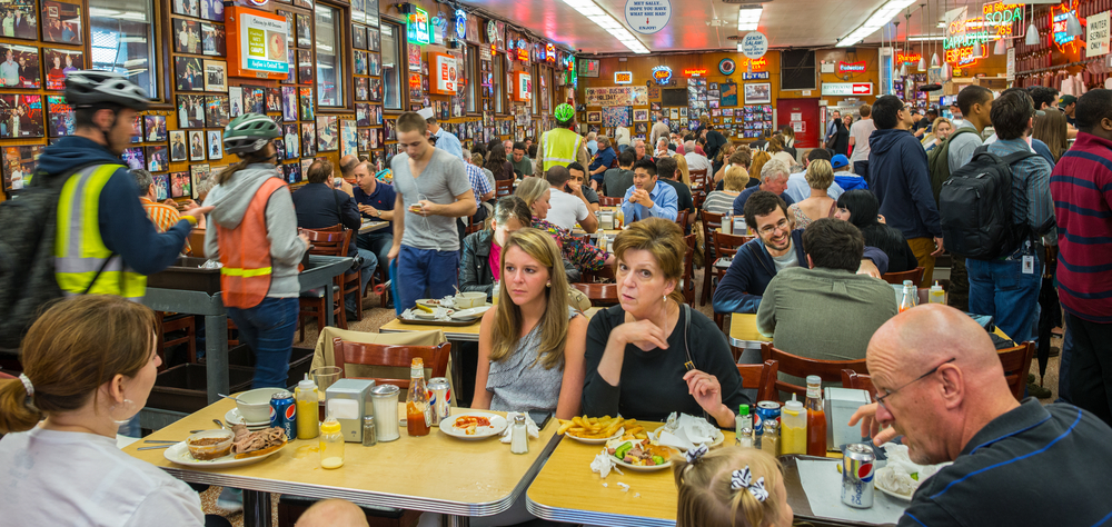 Katzs Delicatessen full of tourists and locals in Manhattan_222597379