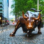 Charging Bull sculpture_146839337