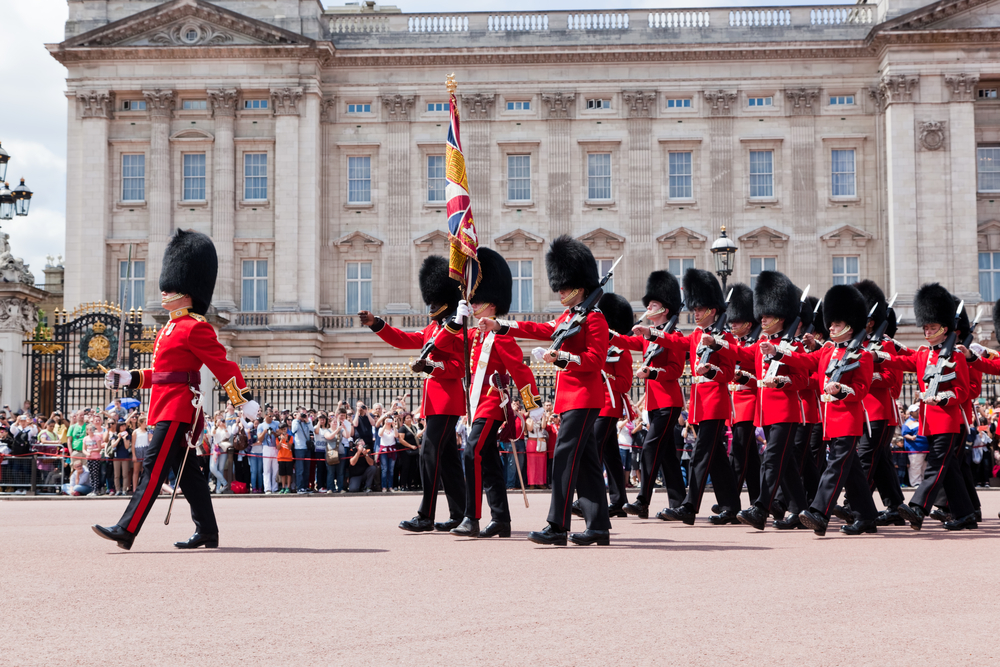 Changing of the Guard in Buckingham Palace_295138580