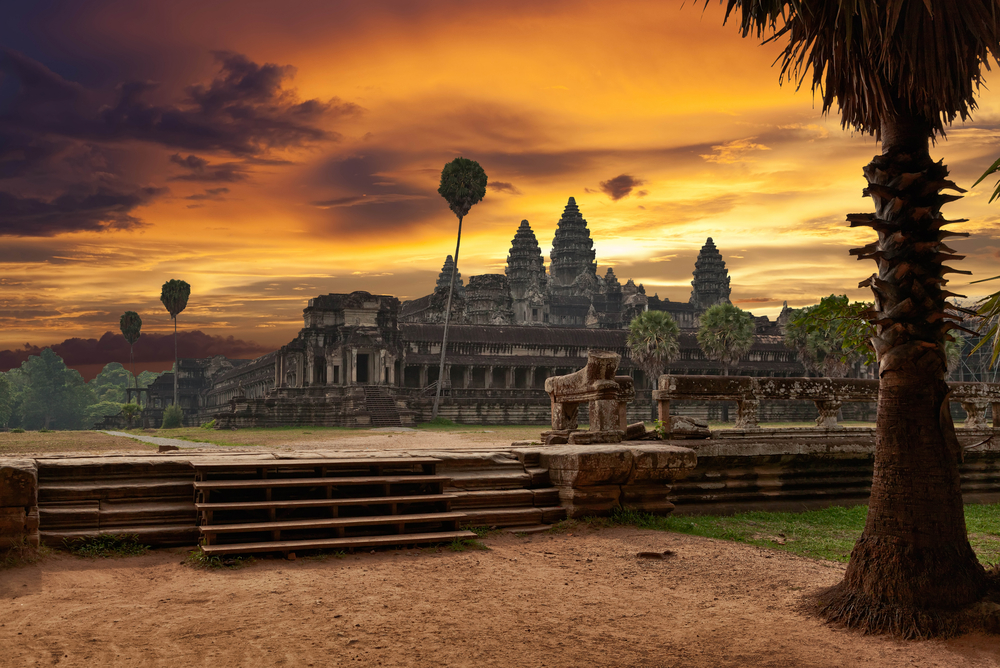 Angkor Wat at sunset_106075160