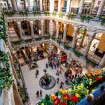 Amsterdam Magna Plaza Shopping Center_193279043