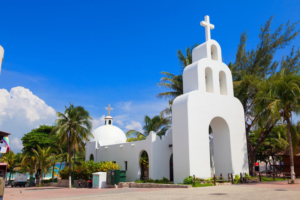 white Mexican church in Playa del Carmen, Quintana Roo_182183162