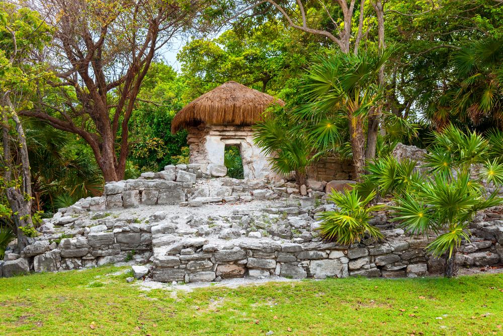 Mayan ruins of Xaman Hai_182183153