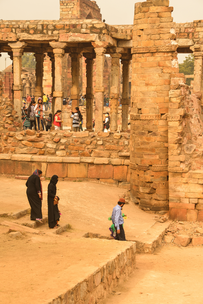 Tourists Visiting Qutb Minar Archeological Park_376903963