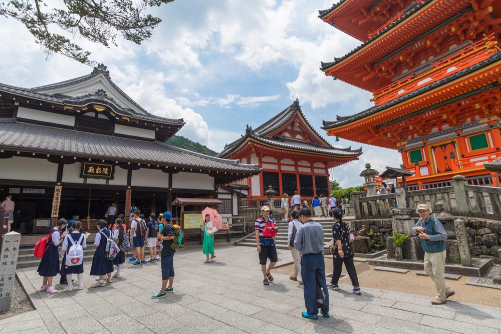 Kiyomizu-dera Buddhist temple_299834369