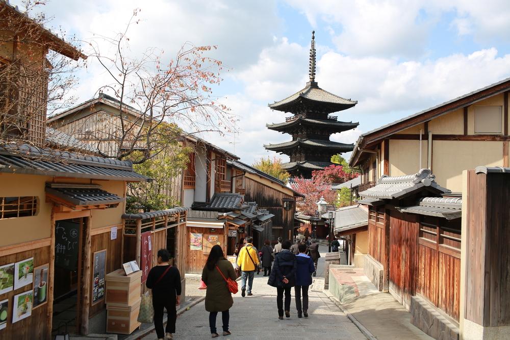 Higashiyama in kyoto_349115432