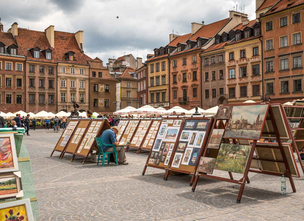 Sale painting in old Town Market Place in Warsaw_305707190
