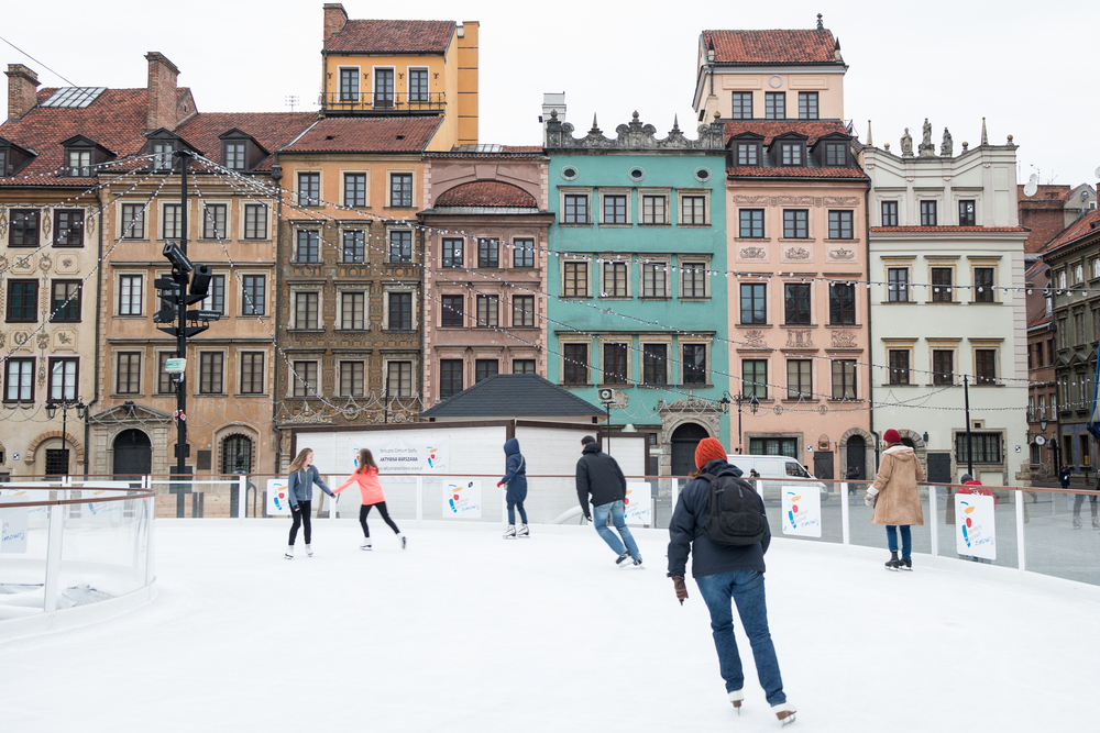 skate on the old town marketplace square_245592271