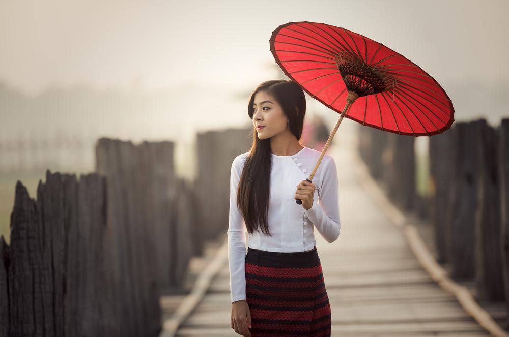 on U Bein Bridge_403993804