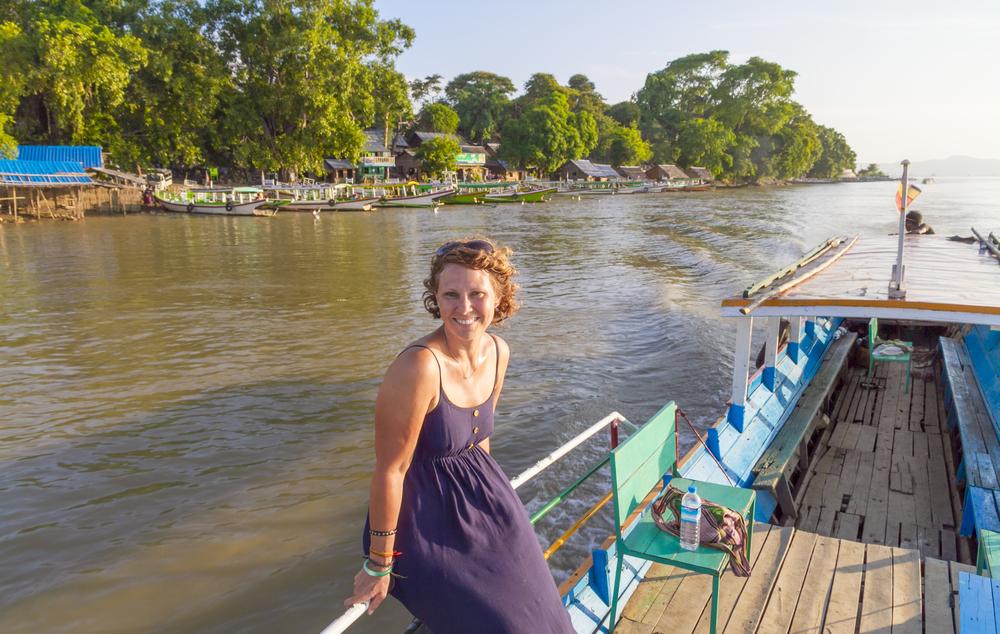 Ayeyarwady River, Bagan Myanmar_389681662