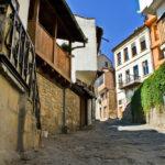 medieval town of Veliko Tarnovo_19184779