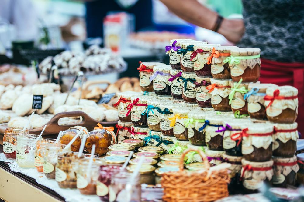 food market in Kiev_286595135