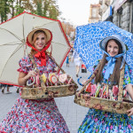 national costumes sell sweets in the event travel to Kiev_149510039
