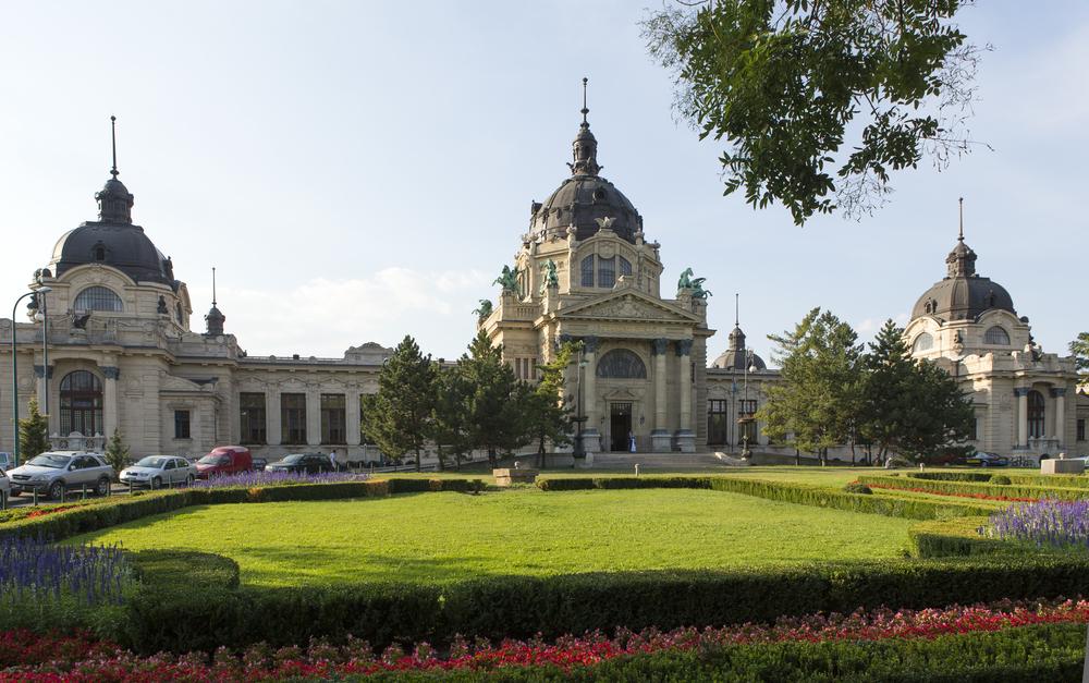 Szechenyi spa, Budapest_110493137