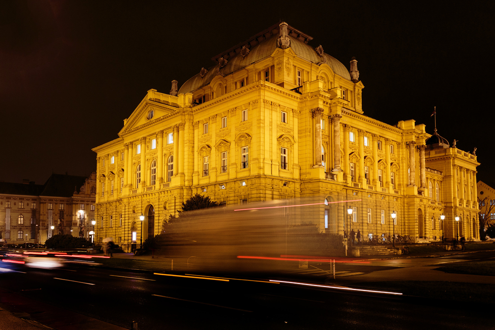 Night photo of Croatian National Theater_284209625