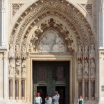 Zagreb gothiccathedral entrance_357243608