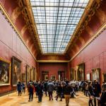 art gallery in Louvre Museum_318923153