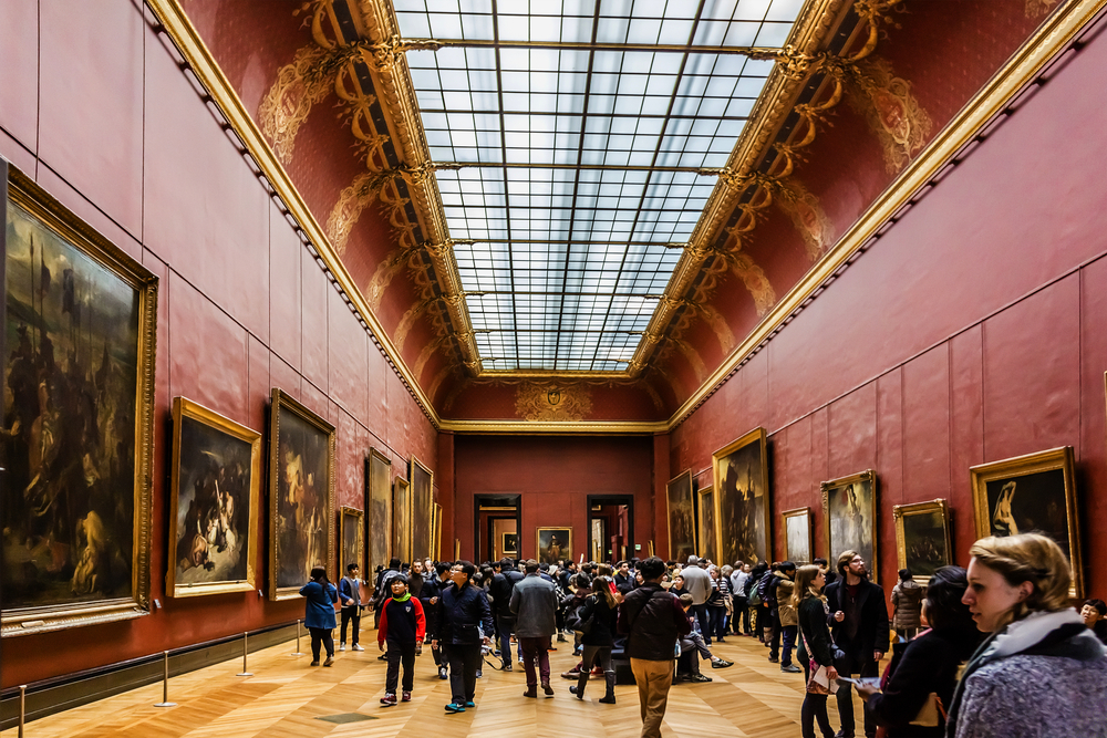art gallery in Louvre Museum_318923153