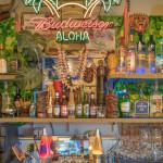 tiki bar in Waikiki_400163080