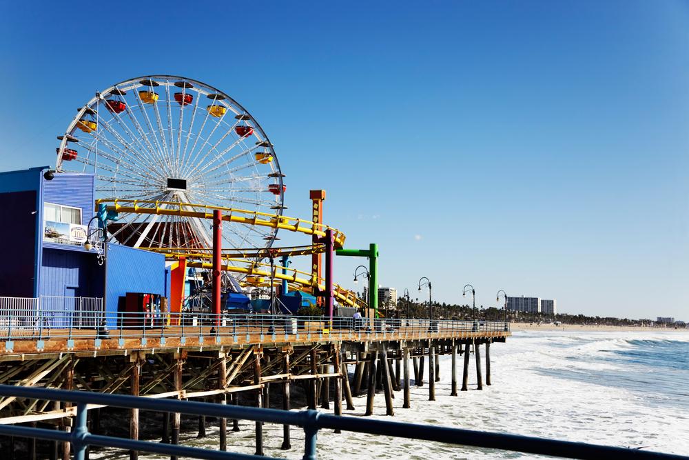 Ferris wheel on Santa Monica Pier_77132170