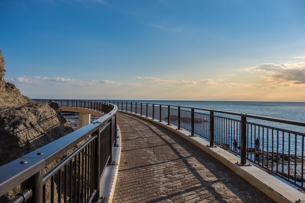 Southern Coast of Enoshima Island - Kamakura_392221123