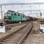 freight trains on the Ukrainian railways_321635405