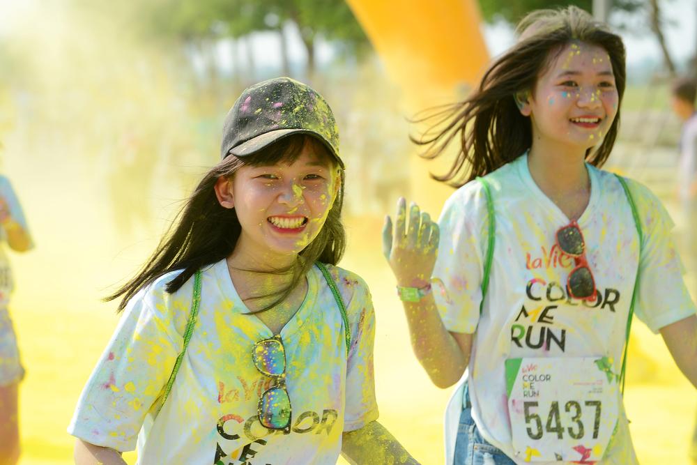 Color Me Run in Hanoi 2016_432671989