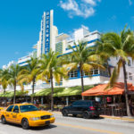 Ocean Drive hotels and buildings in Miami Beach_195707798