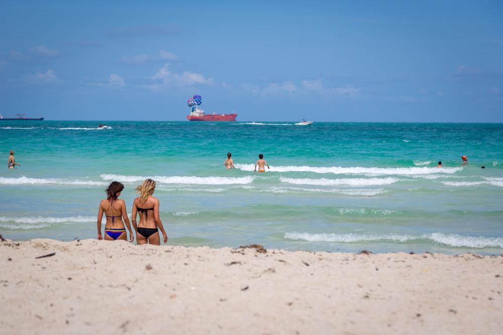 sunny day at Miami beach_341050292
