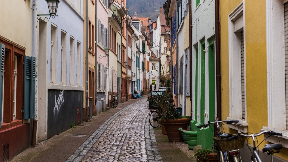 narrow streets of heidelberg_250807192