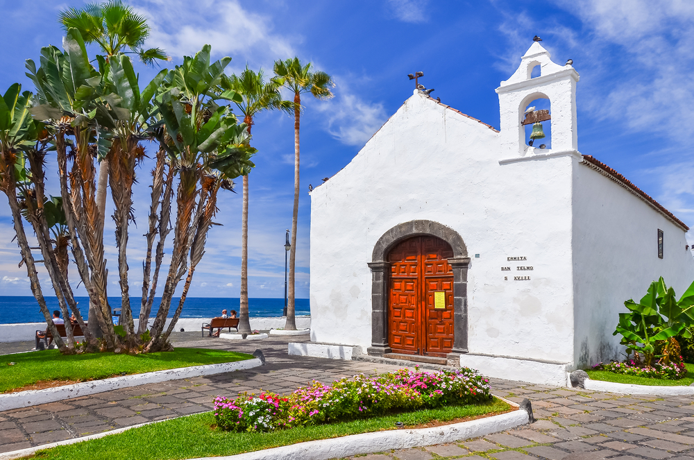 Puerto de la Cruz town on coast of Tenerife_241887715