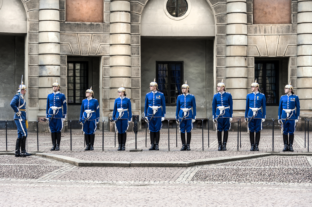 Change of gard (Livgarde) in blue uniforms_397274803