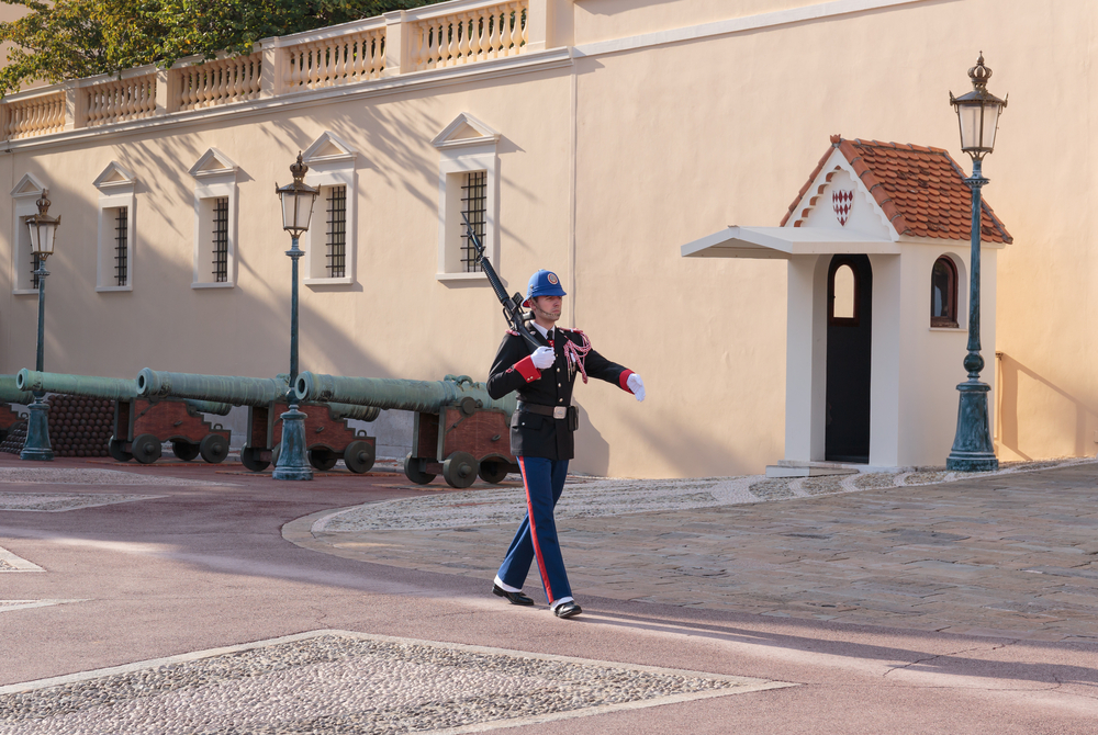 Guard of honor at residence of Prince of Monaco_420714475