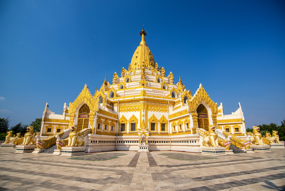 Golden pagoda and temple , Swe Taw Myat_317334134