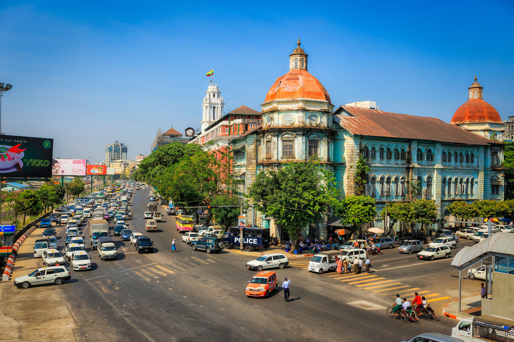 downtown of Yangon_397642663