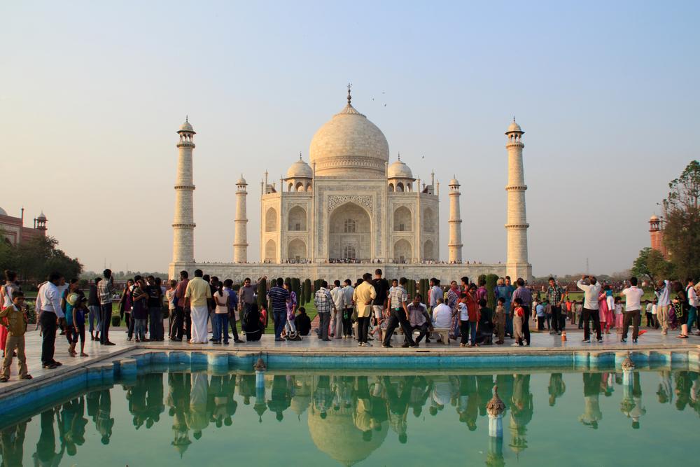 mausoleum Taj Mahal _453930379