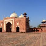 Mosque adjacent to the Taj Mahal_454270303