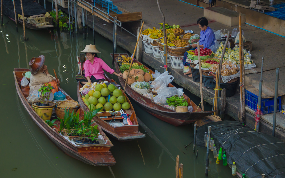 Damnoen Saduak Floating Market _369627257